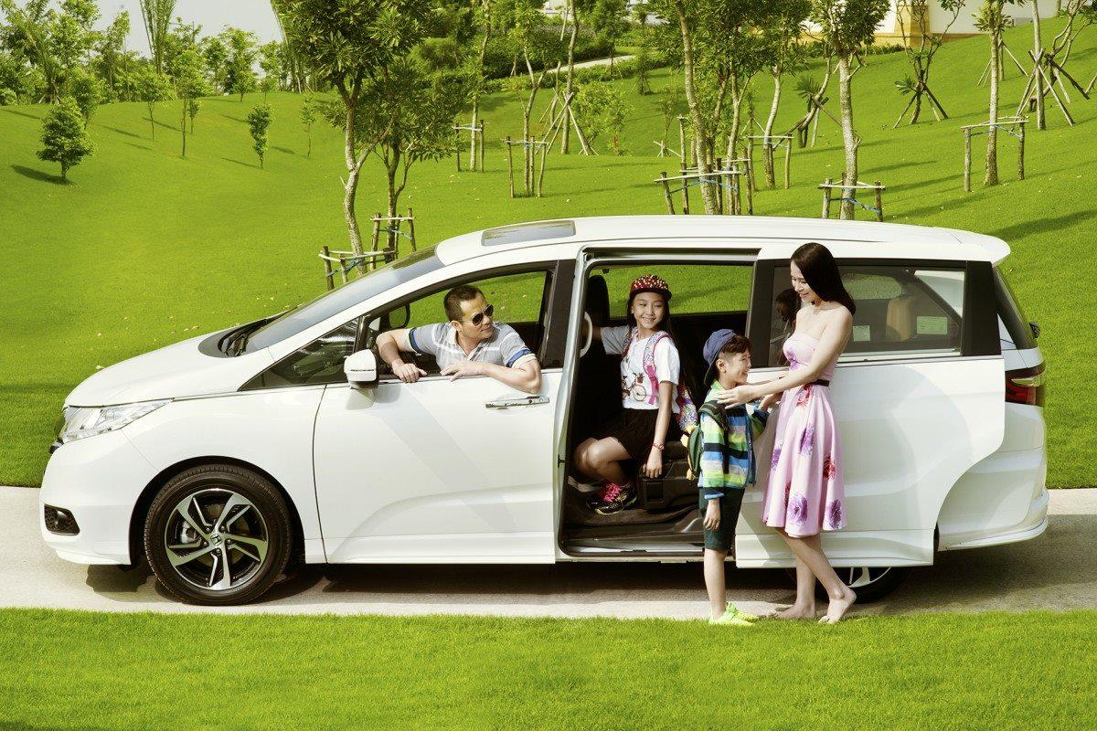 lợi ích tuyệt vời của việc thuê xe ô tô tự lái